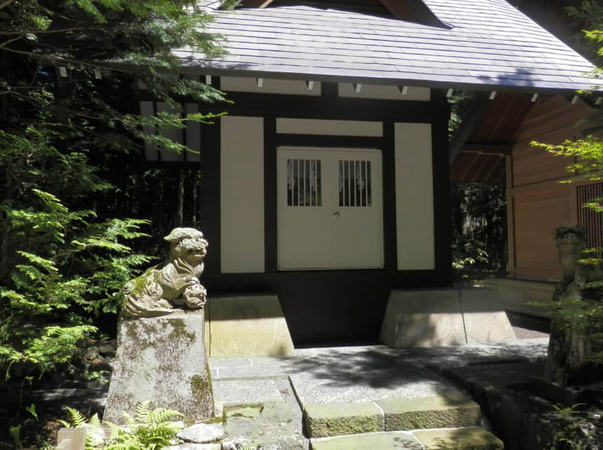 末社・社護神社